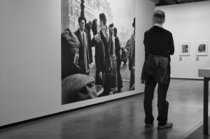 At an exhibition of Robert Doisneau